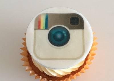 muffinka z logo instagram
