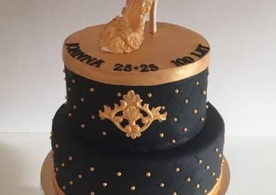 tort urodzinowy złota szpilka