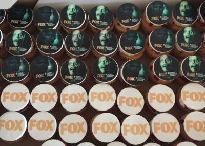 muffinki z logo fox hallowen