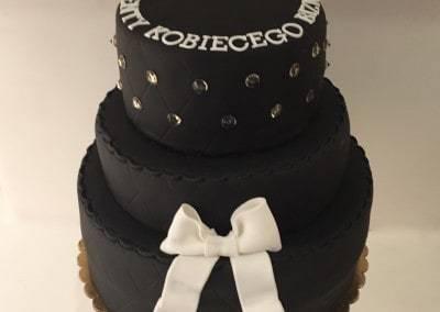 tort firmowy z diamentami