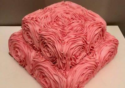 tort urodzinowy falbankowy