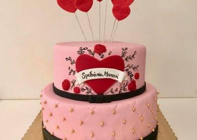 tort urodzinowy serca