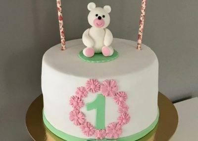 tort z misiem na roczek