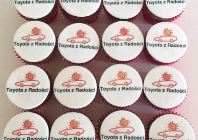 muffinki z logo toyoty