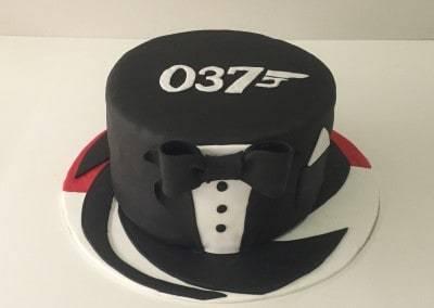 tort james bond czarny