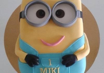 tort minionek 3D