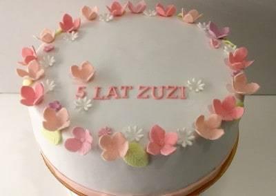 tort na 5 urodziny