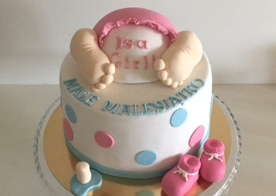 tort na baby shower bobas