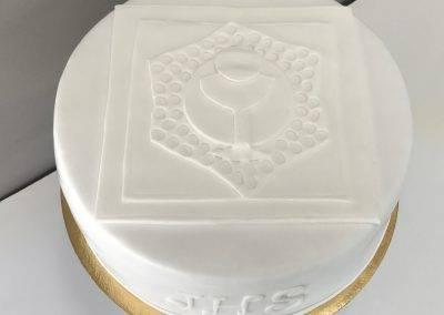 tort na komunię kielich płaski