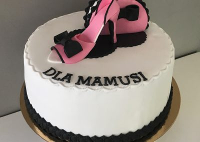 tort na urodziny szpilka+torebka
