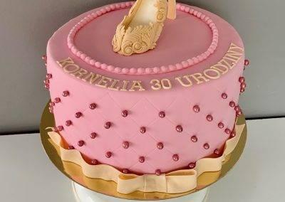 tort szpilka