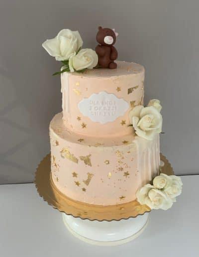 tort na chrzciny z misiem