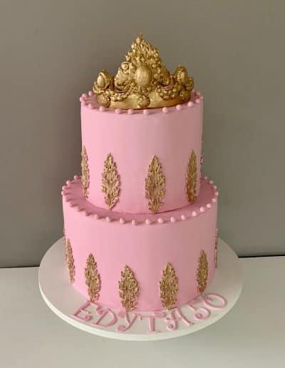 tort korona na 50 urodziny
