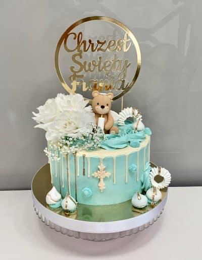 tort na chrzest z misiem