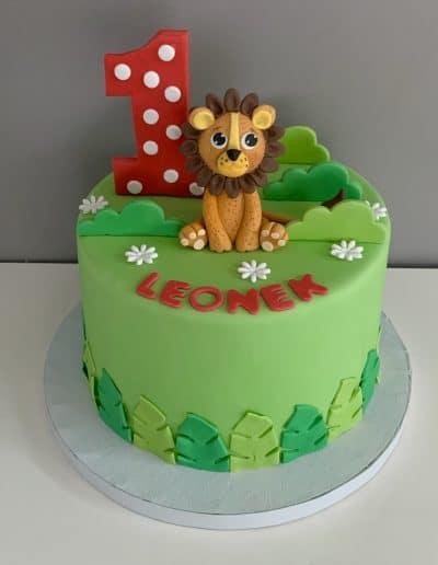 tort na roczek z lwem