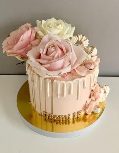 tort drip róze