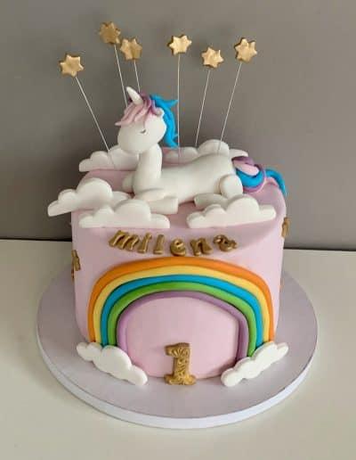 tort na roczek jednorozec