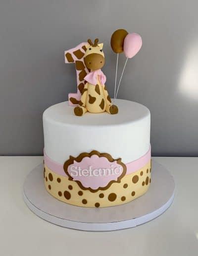 tort na roczek z żyrafą