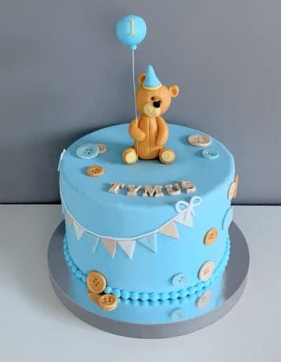 tort na roczek z misiem